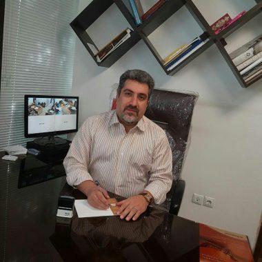 دکتر بابک آزادنیا
