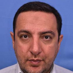 دکتر علی صادقی نیا