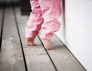 دیر راه رفتن و سایر مشکلات مربوط به پا در کودکان