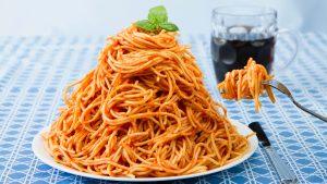 غذا نخوردن در طول روز و پرخوری در شب ، الگویی مضر برای سلامتی