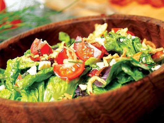 سالاد کاهو و گوجه و نان سالاد ( BLT)