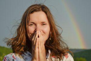 ده عادت اشتباه که برای خوشحالی بیشتر خود باید کنار بگذارید