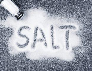 آیا افراد در زمان تعریق زیاد به مصرف نمک اضافی نیاز دارند؟