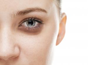 آلرژی به لوازم آرایشی