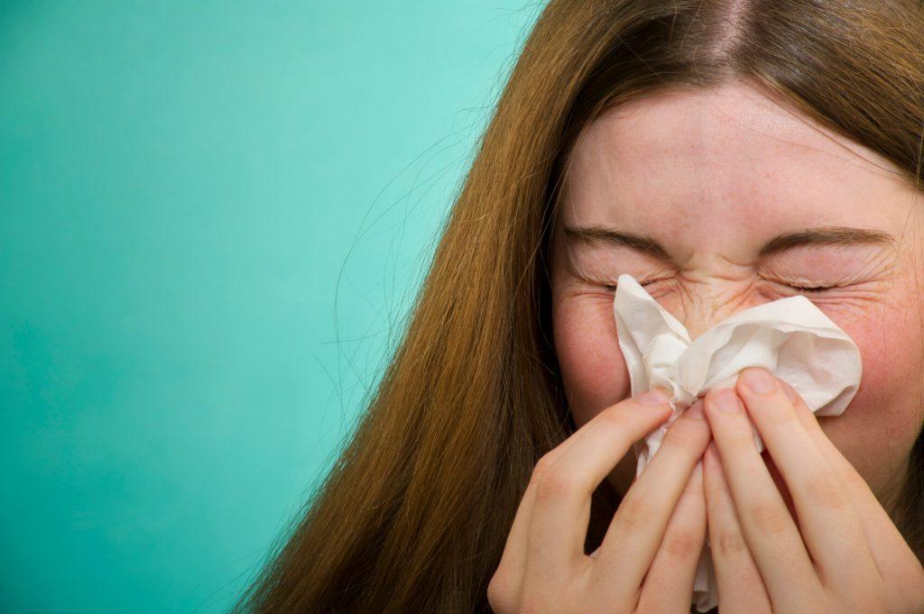 در یک حمله آلرژی بینی چه اتفاقی می افتد؟