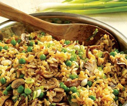خوراک قارچ و برنج و نخود فرنگی