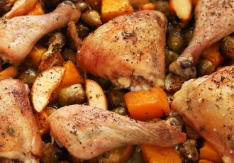 مرغ بریون با سیب زمینی و مغز کدو حلوایی