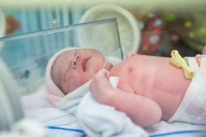 تاثیر کورتیکواستروئید های قبل از تولد برای بلوغ و نمو ریه های جنین