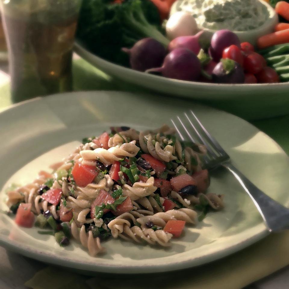 ماکارونی با سس گوجه فرنگی تازه