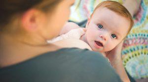 مشکلات متداول تغذیه با شیر مادر