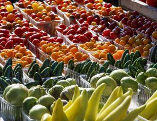 چگونه میوه و سبزیجات بیشتری بخوریم ؟