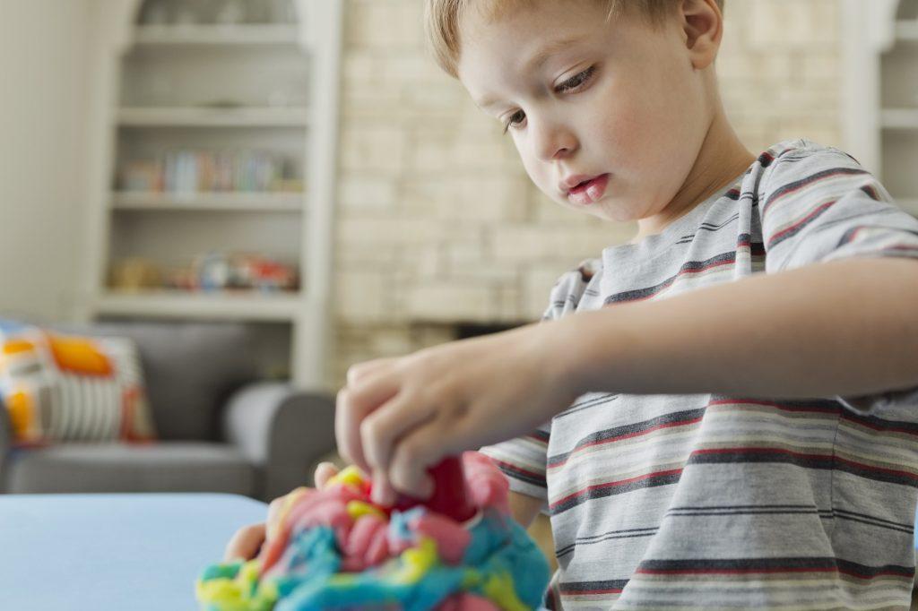 انتخاب اسباب بازی مناسب برای کودکان خردسال