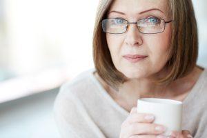 آیا درمان با جایگزینی هورمونی برای شما مناسب است