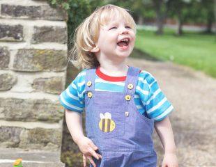 رفتار فرزند 23 ماهه ی شما: پر از جنب و جوش