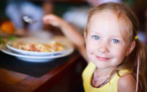 کودک بد غذا: که فقط به یک غذا بسنده کرده است