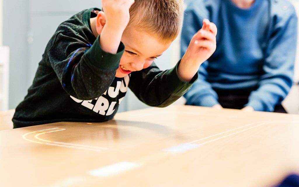 مهارت های توجه اشتراکی و کودک مبتلا به اتیسم