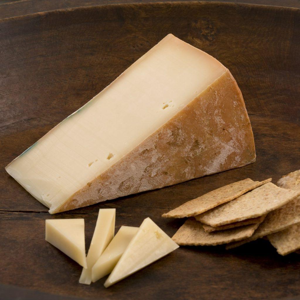 پنیر فونتینا