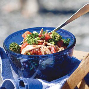 سالاد بروکلی و مرغ و گوجه پخته