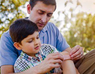 ضربهها و صدماتی که باعث آسیب و شکستگی در کودکان میشوند