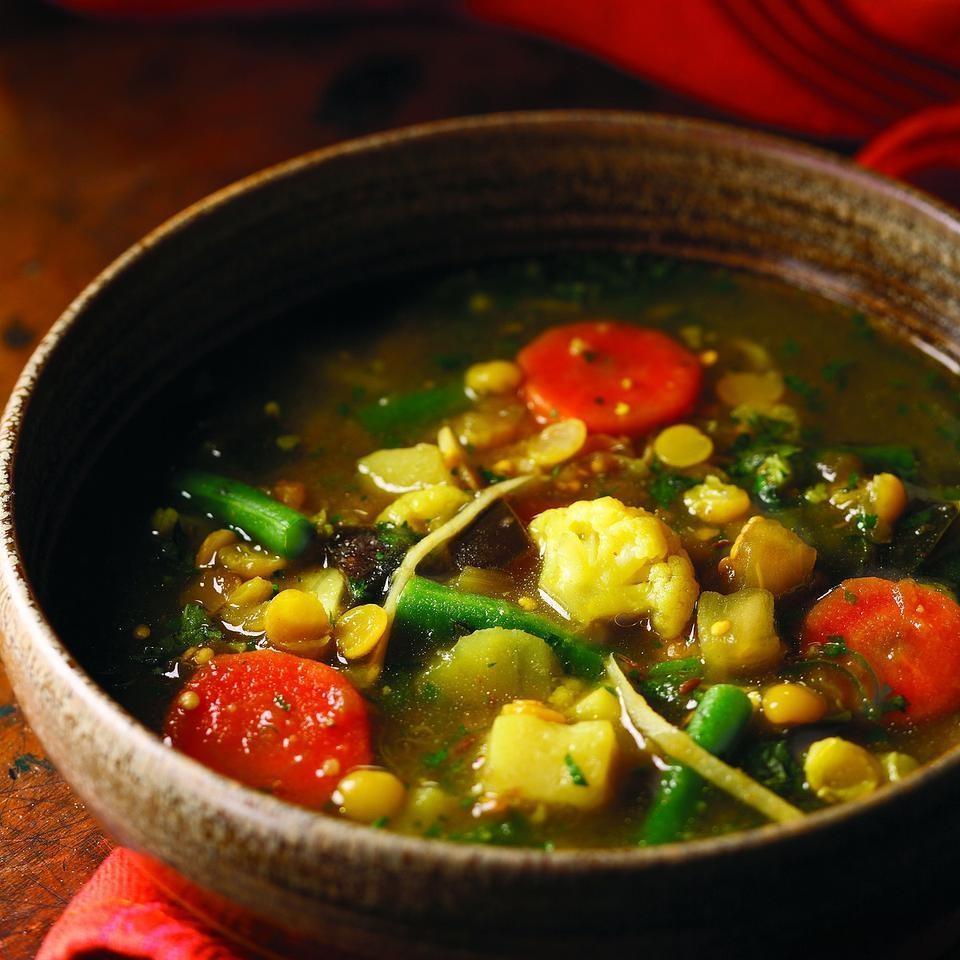 خوراک لپه و سبزیجات و زنجبیل