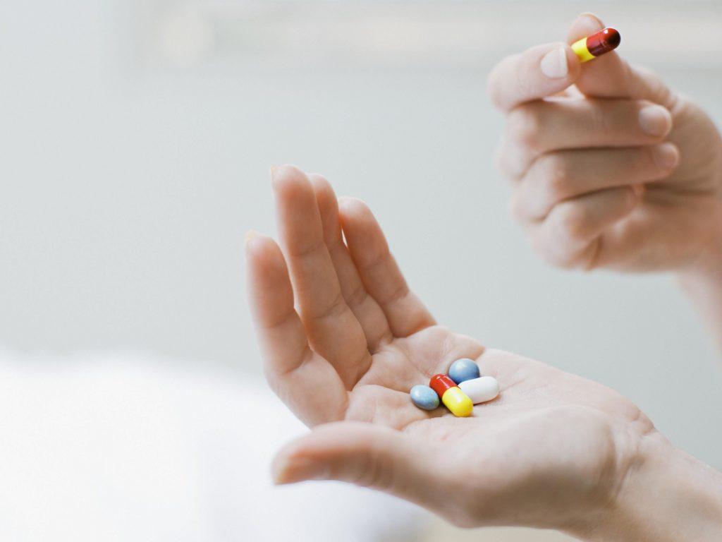 آیا مصرف ویتامین A ، حین بارداری سمی است ؟
