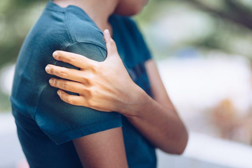 علایم و درمان در رفتگی مفصل