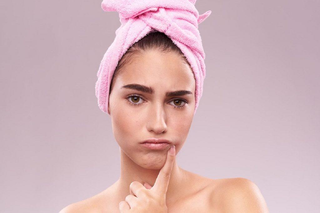 اشتباهات رایج در درمان آکنه و جوش صورت