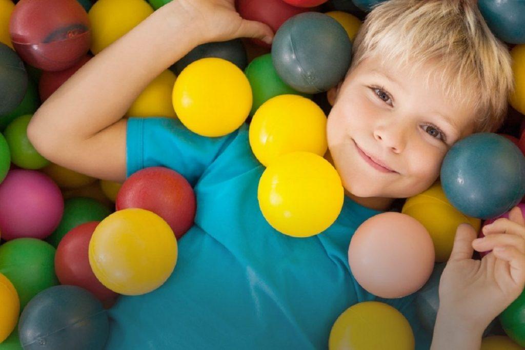 کاردرمانی و گفتار درمانی برای کودکان مبتلا به اوتیسم