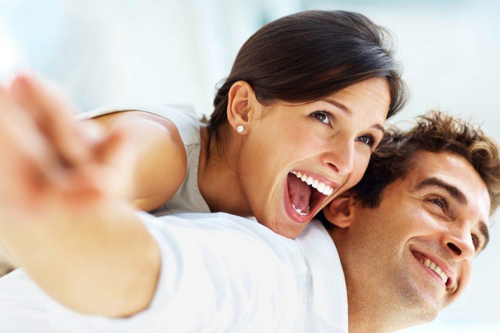 8 کاری که زوج های خوشبخت هر روز انجام میدهند