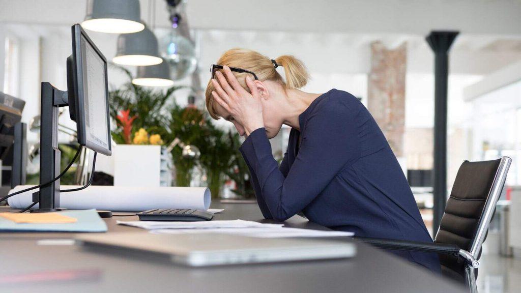 4 . برای جلوگیری از افسردگی انتخابهای روزانه خود را کاهش دهید