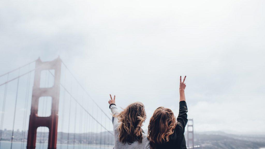 12 . صرف وقت با کسانی که دوستشان دارید