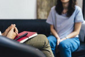 چگونه یک تراپیست و روانشناس خوب پیدا کنیم؟