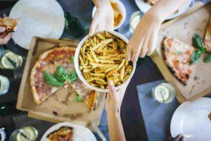 اگر IBS دارید این 12 مواد غذایی را نخورید