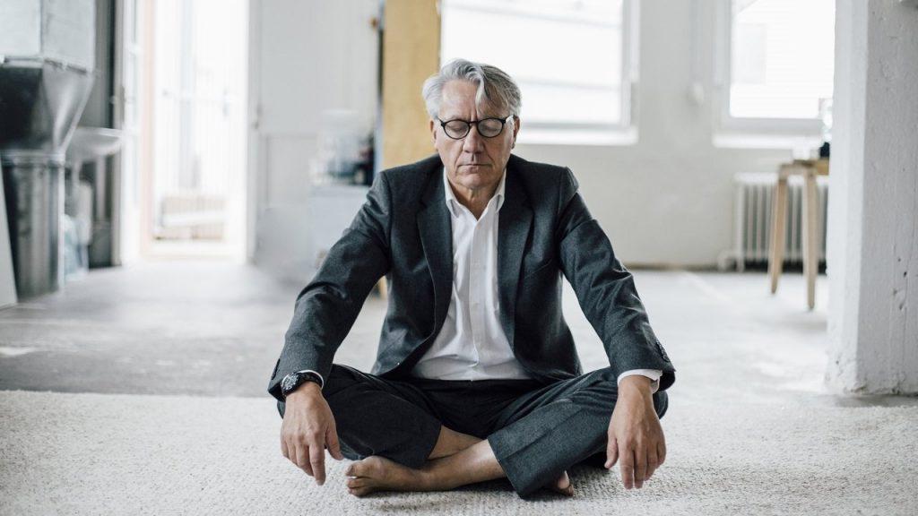 6 . تمرین آرامش ذهن ، کاهش حافظه ناشی از کهولت سن را کاهش میدهد