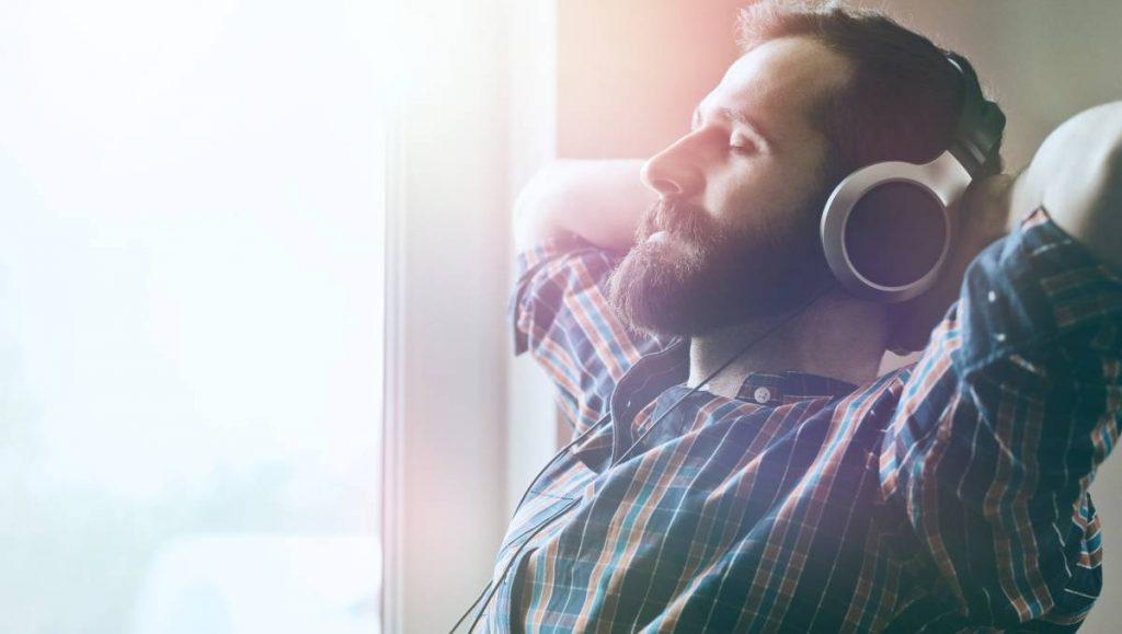 2 . موسیقی می تواند فشار و تنش را کاهش دهد