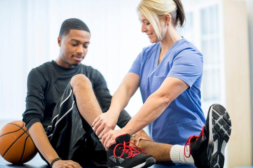 مروری بر طب ورزشی و متخصصان طب ورزش