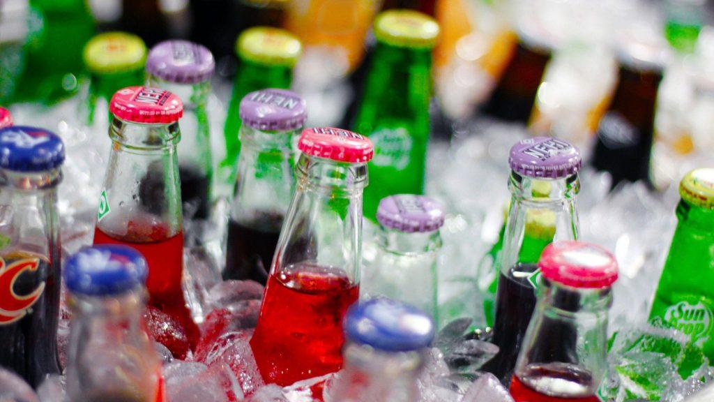 4 . نوشیدنی های گازدار