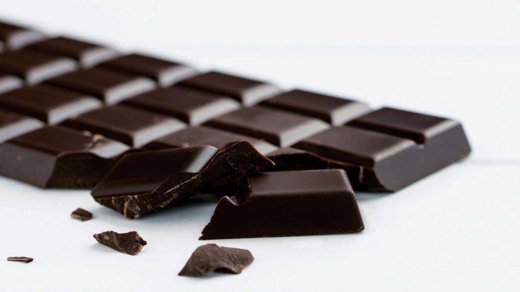 1 . شکلات تیره