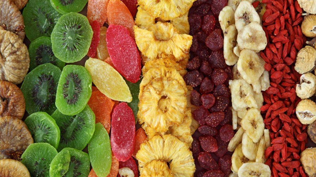 11 . میوه های خشک
