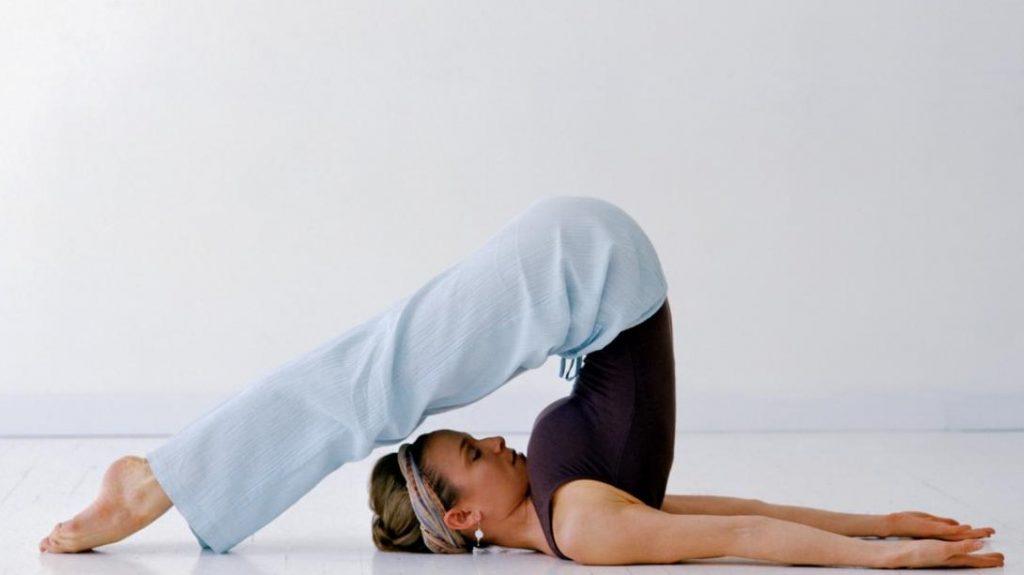 7 . حرکت رول پیلاتس (Pilates Roll)