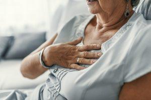 سالخوردگی و پیری چگونه بر سلامتی گوارش شما تأثیر میگذارد؟
