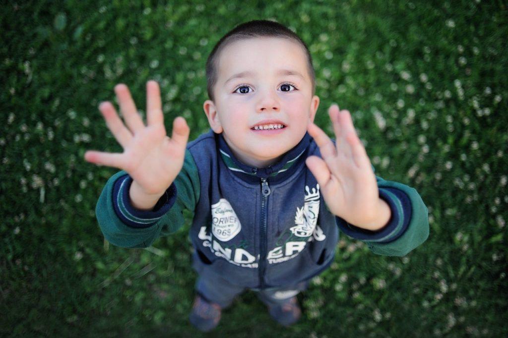 اکولالیا در کودکان اوتیسم