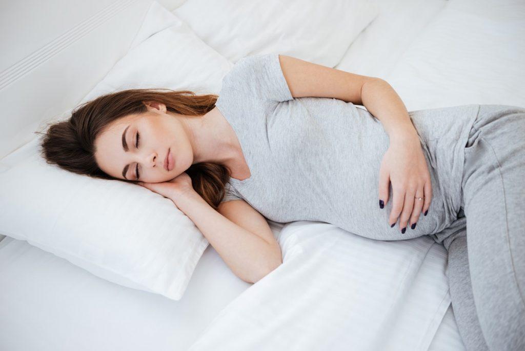 10 نکته عالی برای داشتن خواب با کیفیت در دوره بارداری