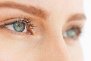 دلیل احساس فشار پشت چشم چیست؟