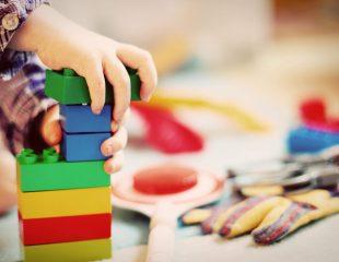 بهترین کاردرمان کودکان اتیسم در تهران کیست؟ (لیست 10 نفره نسخه)