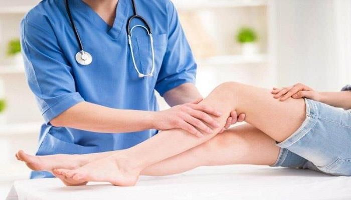 کشیدگی عضلات و رجوع به پزشک